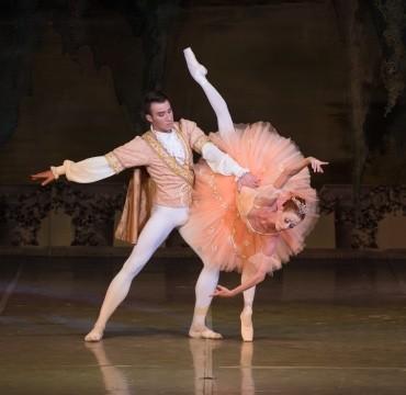 Балет «Спящая красавица». Аврора— Екатерина Березина, Принц Дезире— Артем Хорошилов